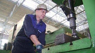 Слесарь по ремонту кранового хозяйства Сергей Чугунов с 42-летним стажем работы
