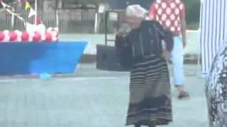 Бабуля нереально танцует !!!