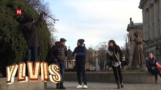 Ylvis - Lueslang med Jon Almaas (English subtitles)