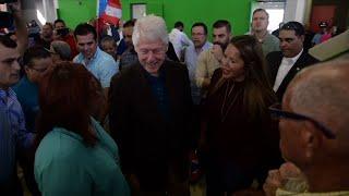 2017-11-21-04-11.Former-President-Bill-Clinton-Visits-Puerto-Rico