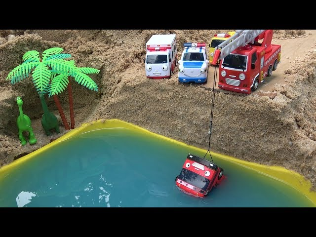 Gani Tayo Bus falls into the water! Fire Truck, Ambulance, Police Car rescue Tayo Bus toys play