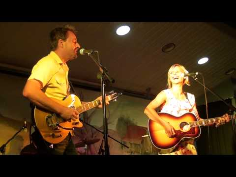 Camille Te Nahu & Stuie French - Long Legged Guitar Pickin' Man