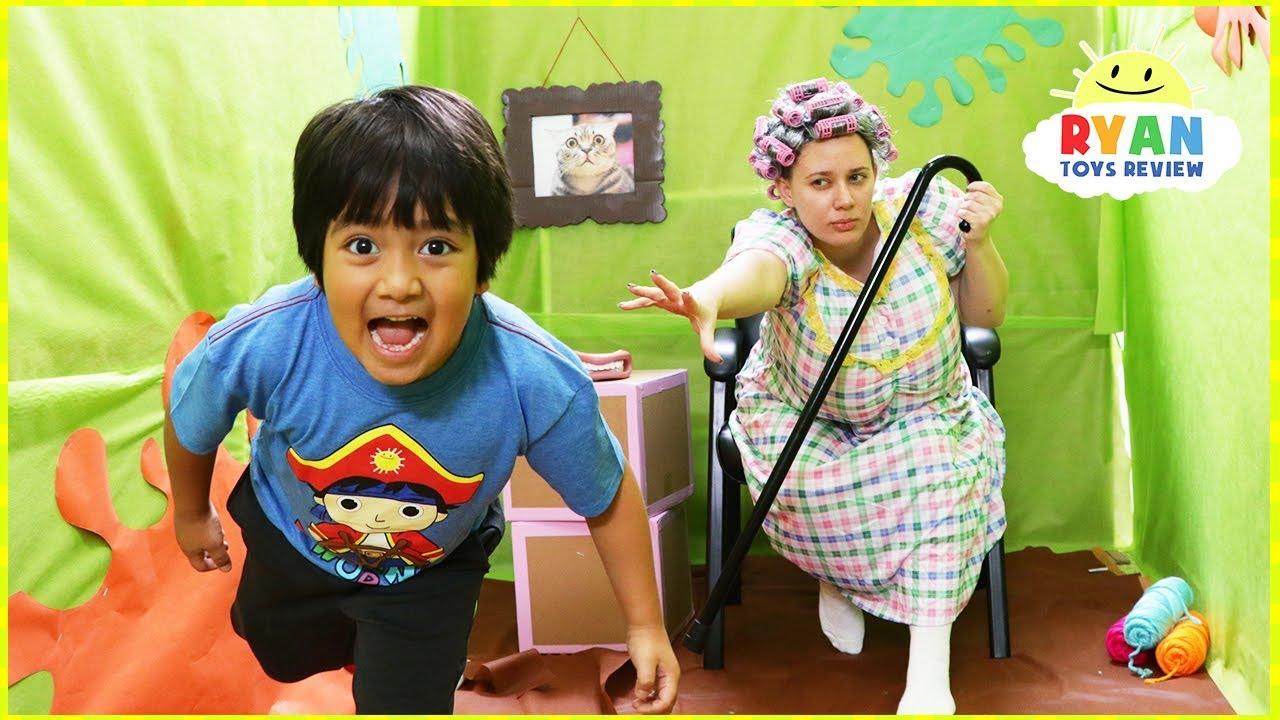Ryan in Giant Box Fort Maze Grandma Obby!!!