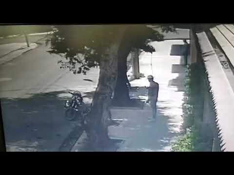 Video: Uno de dos supuestos asaltantes cae abatido a tiros en SD.