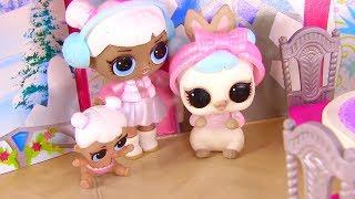 Новогодние Сюрпризы от Куклы Лол в городе Ктовиль - мультик Гринч Lol Surpruse Families Часть 2