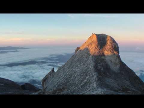 Mt Kinabalu Trek