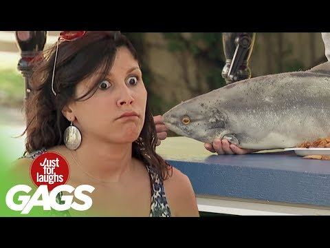 Waitress Quits Her Job with a Fish Slap! - Just For Laughs Gags