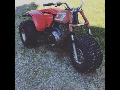 Honda ATC 200s pulled out of the weeds after sitting for 8 years start up and ride