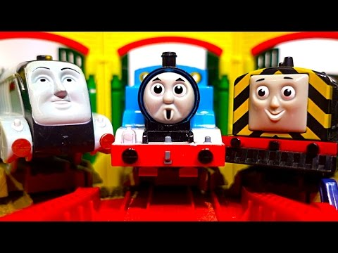 Thomas Classic HiT Trackmaster Layout $10 Tubs Of Toy Trains Crashes & Accidents Part 3