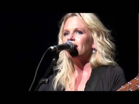 Beccy Cole - Poster Girl