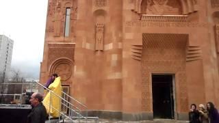 Армянская церковь в москве...Армяне(Тем что в Москве построили Армянскую церковь может гордиться каждый Армянин ведь этот церковь самая больша..., 2011-10-23T19:47:13.000Z)