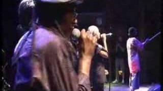 """ZOE backed by okada """"Liberia - Live"""""""