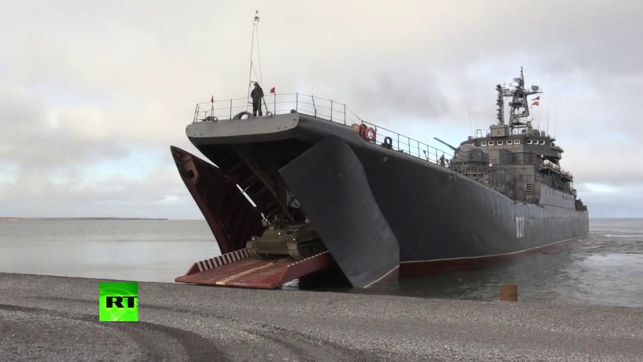 Минобороны РФ опубликовало видео самых эффектных моментов учений морской пехоты