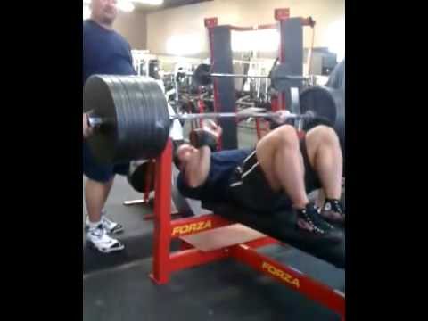 ryan kennelly raw bench press 680 lbs 308 kg 12 09 2010