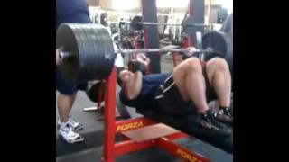 Ryan Kennelly Raw Bench Press 680 lbs (308 kg) 12.09.2010
