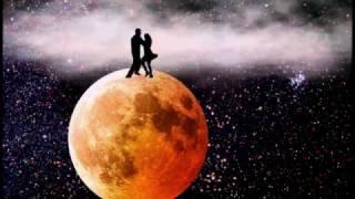 Поет ВИТАС. Танцы под Луной.