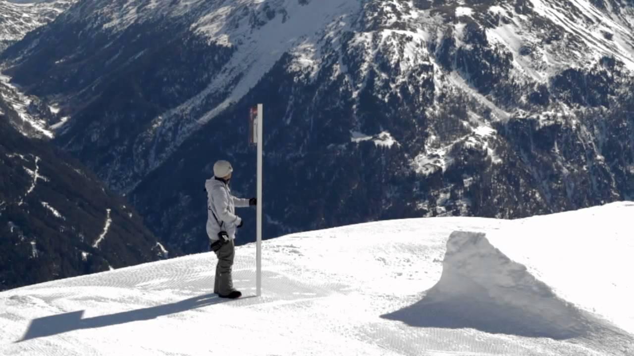 Sciare sulla pista olimpica di melezet a bardonecchia