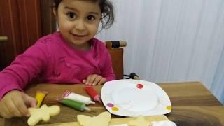 Ayşe Ebrar Kurabiyelerin Üzerine Resim Çizdi Süsleme Yaptı. For Kids Video