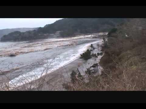 Mar 11, 2011 Tsunami, Namiita beach, Otsuchi, Iwate, Japan.wmv