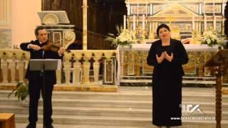 """Dimitra Theodossiu canta """"per grazia ricevuta"""""""