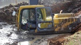 Невероятные приключения тракторов Подборка видео 1(Доступно в youtube: http://youtu.be/4xhd0yVOm-c Невероятные приключения тракторов Подборка видео - это видео,где собраны..., 2014-01-24T21:49:17.000Z)