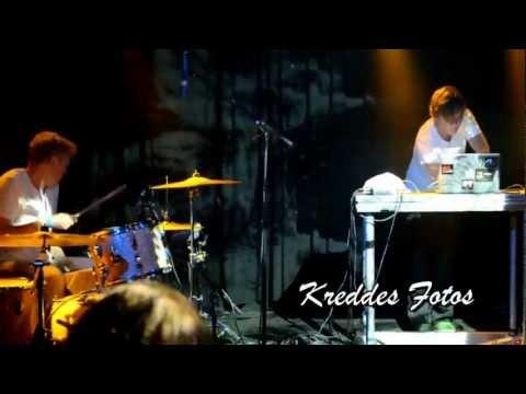 Emil de Waal + Spejderrobot - Chimp (HD)