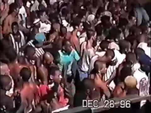 BAILE FUNK DE CORREDOR - A PORRADA COME 1996