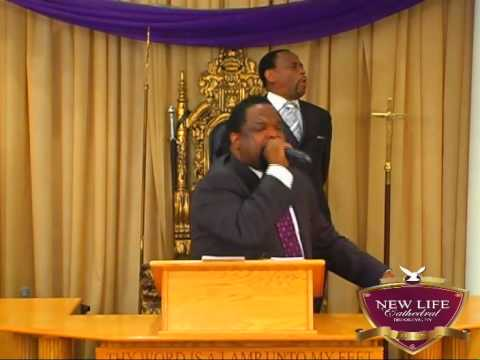 "Bishop Hezekiah Walker ""Faith and Four Friends"" @ New Life Cathedral"