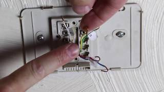 How to Replace an Old Thermostat -- by Home Repair Tutor