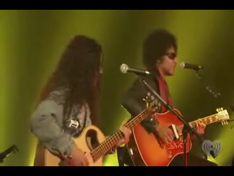 Alice in Chains (Acoustic) - P.C. Richard & Son Theater, Tribeca, NY, Sep 9. 2009