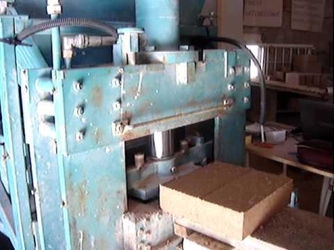 Projet association le village : Presse pour briques