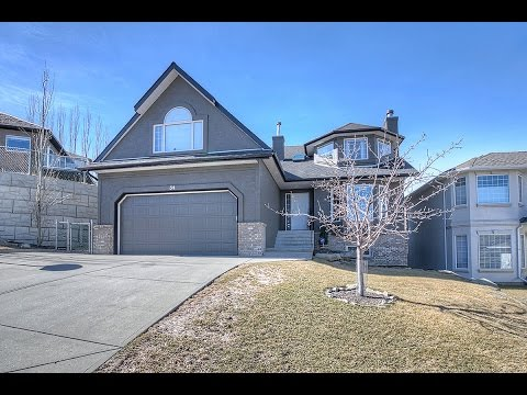 Calgary Executive Home backing Greenspace in Patterson - 34 Patrick View SW