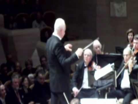 "JUAN DIEGO FLOREZ-""La Donna e mobile""- Rigoletto -LIVE-Moscow 31.12.2012"
