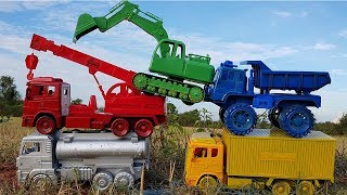 Learn Colors With Car Toys  Excavator Dump Truck Crane Truck | Vic Vic