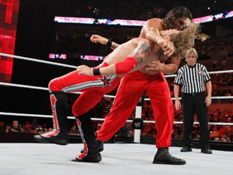 Raw: The Great Khali vs. Edge