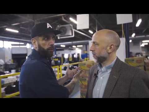 Bonne fête // FuckUp Nights Montréal // Happy Birthday - Charity: Moisson Montreal & Justin Kingsley