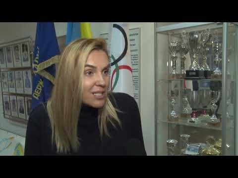 ObjectivTv: Яна Клочкова нагородила юну харківську плавчиню