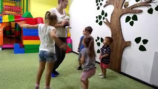 видео Розвиток музичного слуху у дитини