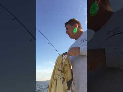 Louisiana Fishing in Myrtle Grove with professional fishermen Paul Mack and his helper Clayton Lenn