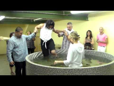 7/14/13 HCRN Pastor Joey Fontanez-- Bautismo / Baptism 1/2
