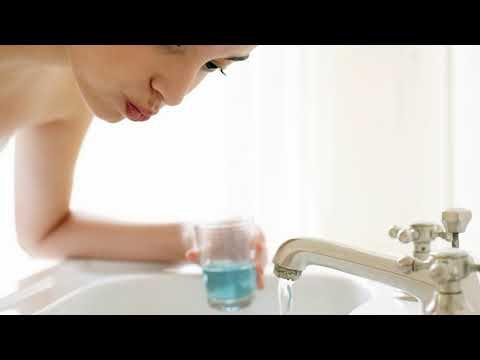 Как полоскать рот хлоргексидином после удаления зуба, при воспалении десен, при стоматите