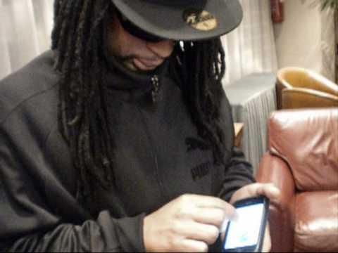 Lil Jon Plays With The iSurfa