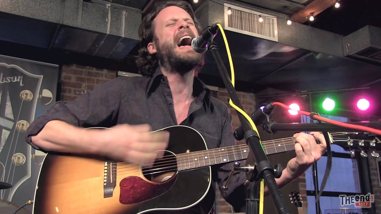 father-john-misty-im-writing-a-novel-endsession-1077theend