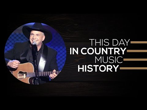 Garth Brooks Achieved A Huge Accolade | This Day In Country Music History