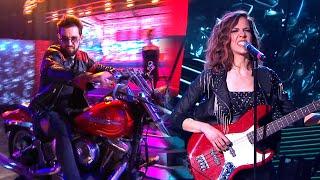 Agustín Sierra entró al estudio en moto y canto