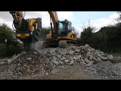 MB Crusher Bucket BF90.3 Crushing Blue Stones And Demolition Material
