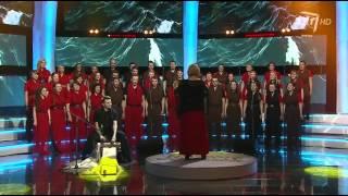 """Vilniaus Universiteto jungtinio choro atlikėjai atliko kompoziciją """"Pamario dainos"""""""
