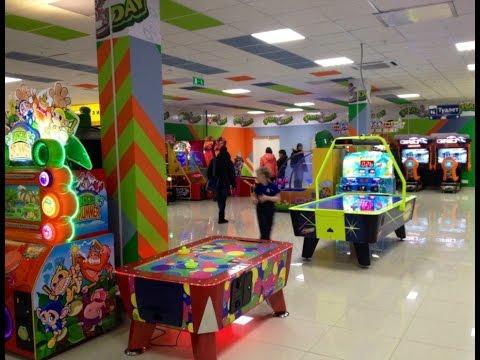 VLOG: Играем в автоматы в детской игротеке  PLAY-DAY