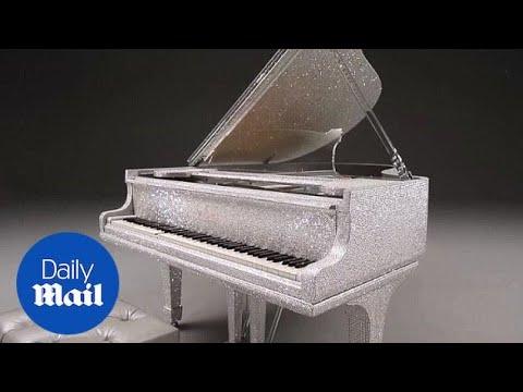 Нов каприц за богатите – пијано со 500.000 Swarovski кристали