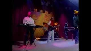 Monie Love - Born 2 BREED - Top Of The Pops - Thursday 18th March 1993